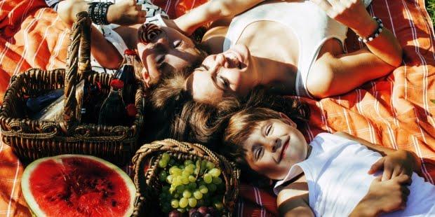 PICNIC, MOTHER, KIDS